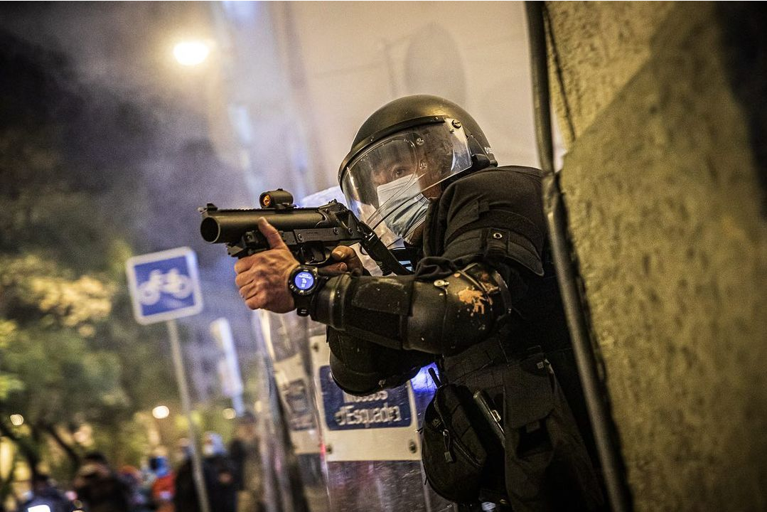 Manifestació contra l'empresonament de @pablohaseloficial a Barcelona.<br><br>Por @jordiborras